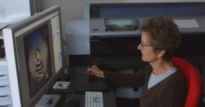 Maggie Taylor at computer