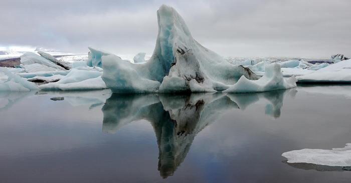 Iceland iceberg by Rosino