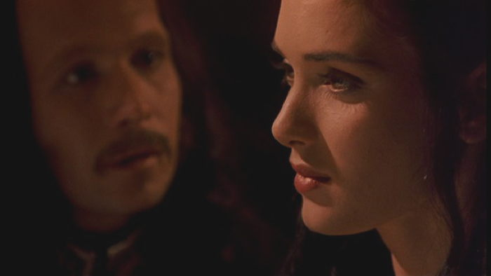 Gary Oldman and Winona Ryder in Dracula 1992