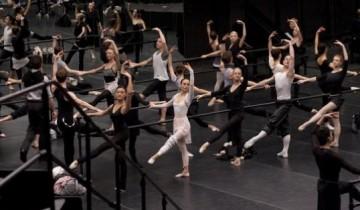Black Swan - dancers