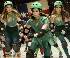 Drew Barrymore, Ellen Page, Kristen Wiig in Whip It