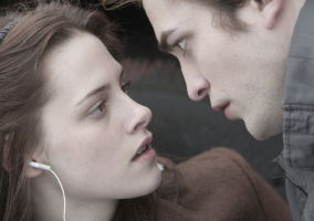 Kristen Stewart, Robert Pattinson in Twilight